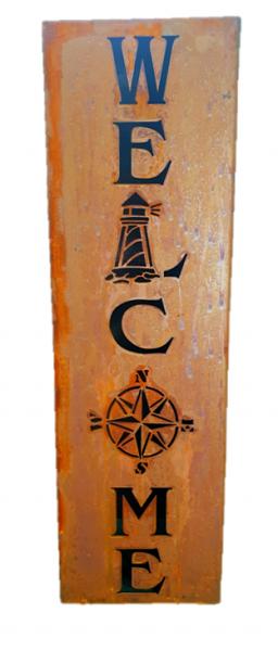 Säule Welcome mit Leuchtturm und Windrose